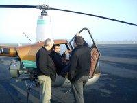 Briefing au sol avant le decollage