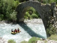 Paysage incroyable en Rafting
