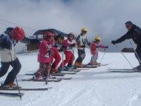 Chausser des skis