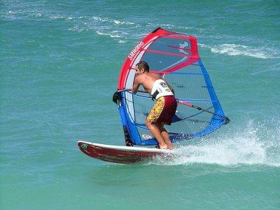 CBCM Kitesurf & Sailing School Windsurf
