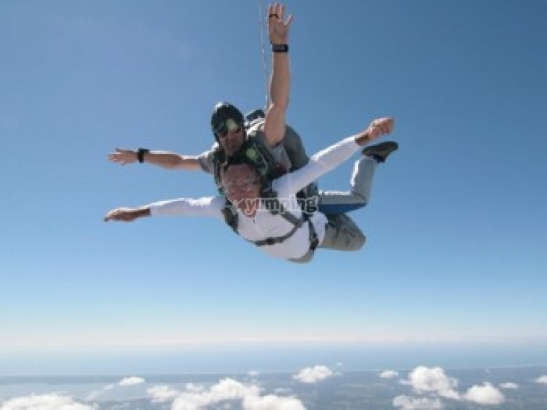 Decouverte du parachutisme avec FL140