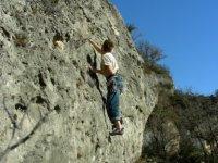 Escalader les falaises des gorges du Tarn