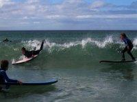 Premieres glissades en surf avec l ecole