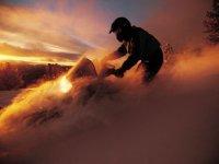 Randonnee motoneige au coucher du soleil