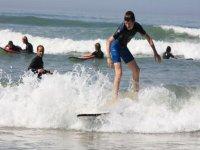 apprendre le surf avec un moniteur