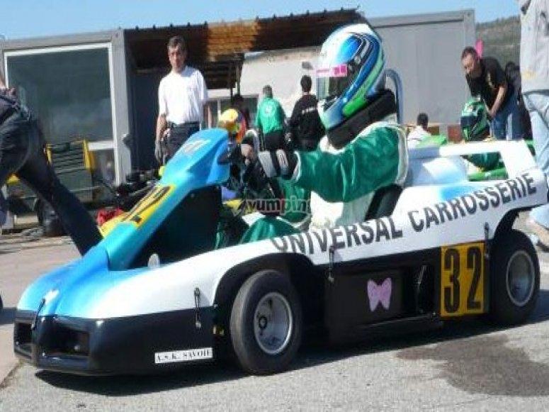 Vive le pilotage kart dans le Gard