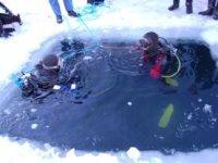 Plonger sous la glace Haute Savoie