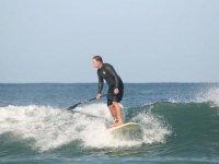 glisse sur l ocean en stand up paddle