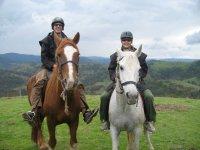 randonnee equestre dans les montagnes