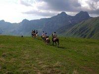 equitation dans les montagnes