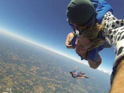Saut en parachute tandem en Périgord noir