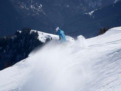 ESI Arc Aventures Ski