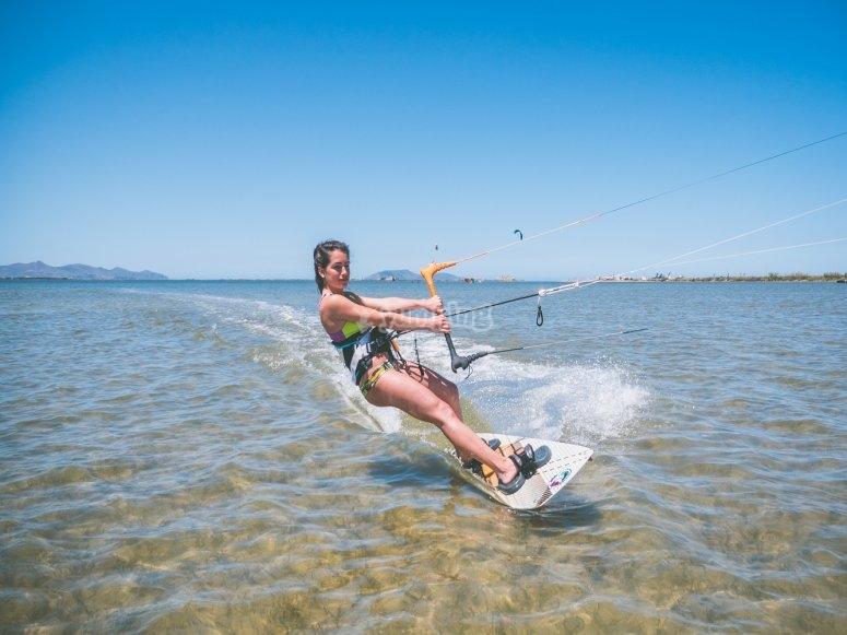 Goûtez aux plaisirs du kitesurf