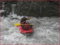 Eclats de rire en canoe gonflable Haute Savoie.JPG