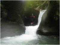 Faire de la randonnee aquatique Giffre.JPG