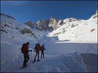 Randonnee Raquettes a Neige a travers les Pyrenees