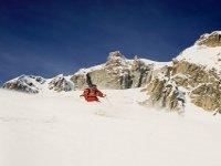 Skiez a travers les plus beaux hors pistes des Pyrenees