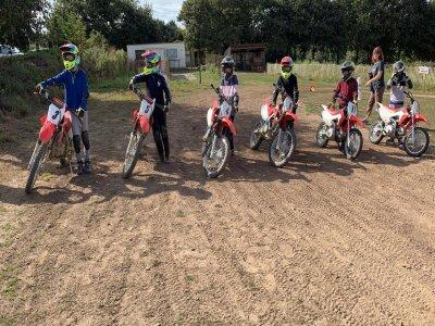 Sortie découverte en motocross à Quihanet 1journée