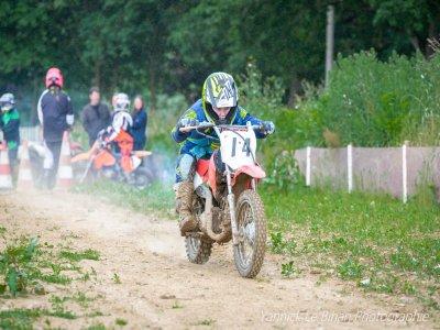 Sortie enfants en motocross à Quihanet 1journée