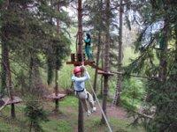 Tyrolienne parcours aventure dans la foret de Villette en Savoie
