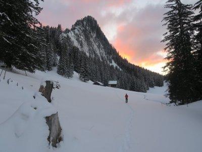 Savoie Jura Randonnée Raquettes à Neige