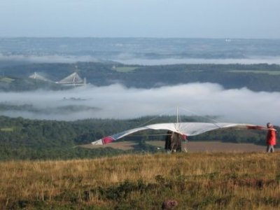 L'Ecole de vol libre du Ménez-Hom Deltaplane