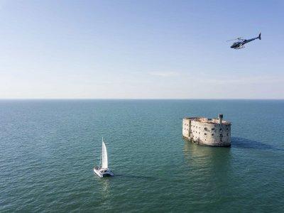 Survol de Fort Boyard en hélicoptère - 10 minutes