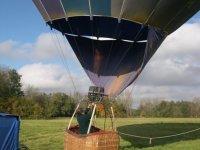 Montgolfière avant décollage
