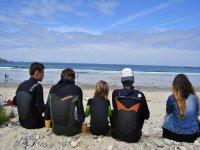 Vous pouvez venir en groupe chez Surfing Locquiec