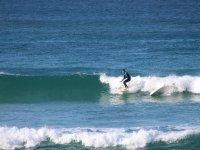 Venez apprendre à surfer avec Surfiing Locquiec