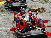 Découvrez les sports d'eau vive dans les Pyrénées Altantiques