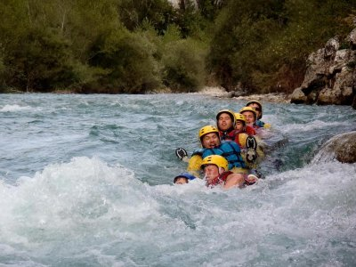 Aquabond Rafting Canyoning