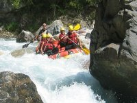 Obstacle rafting