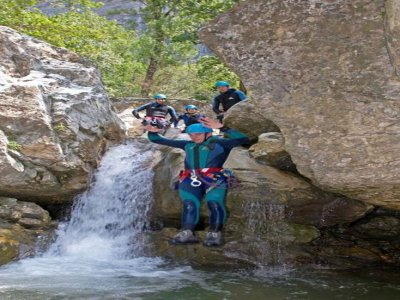 Agence l'Arpenteur Canyoning