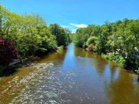 Naviguez parmi les eaux de la Cure en Kayak