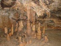 Concretions et Stalagmites dans les crotes