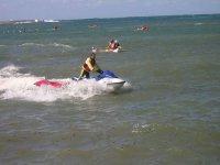 Location de jetski sur les vagues