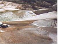 Glisser sur les toboggans naturels des Gorges du Tapoul