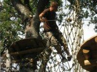 Aventure dans les arbres a Greoux les Bains