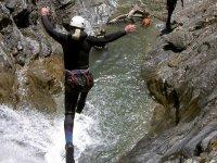 Canyon et saut dans les vasques