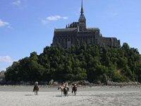 Mont St Michel a cheval
