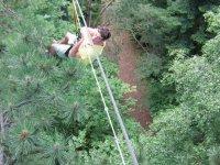 Descente tyrolienne au dessus des arbres à St Etienne du Bois