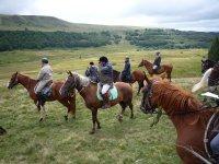 Randonnee a cheval en Auvergne au mois d Aout