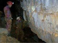 grotte sculptée