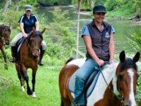 Balade a cheval dans la region