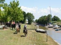 Port de Richard en famille et a cheval