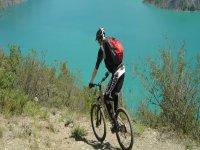 Partez pedaler aux alentours du Lac de Serre Poncon