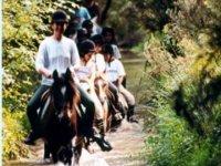 Sortie equestre sur la riviere enchantee