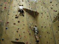 Mur de grimpe a Ecuille