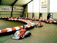 en pleine course de karts